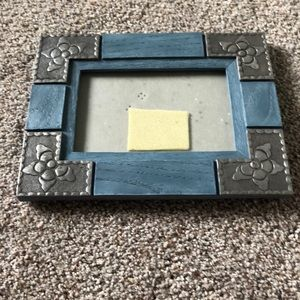 Brand new blue and silver 4 x 6 frame